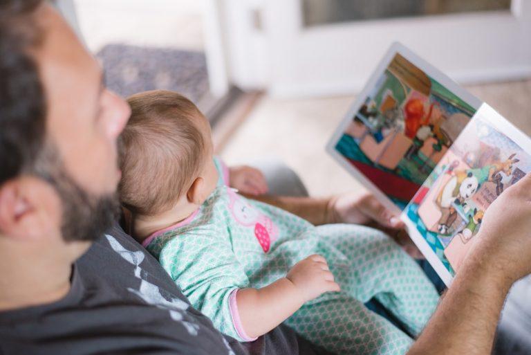 Cum ajută lectura dezvoltarea copiilor