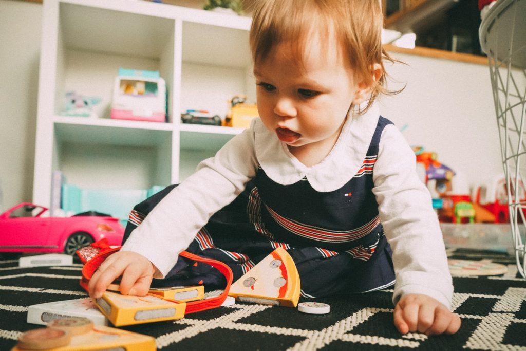 Anxietatea de separare: cum îl ajut pe copilașul meu să se obișnuiască fără mine